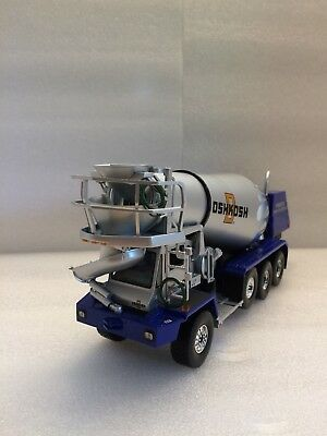 FIRST GEAR MACK Oshkosh Front Discharge Mixer Blue Silver 1:34 New