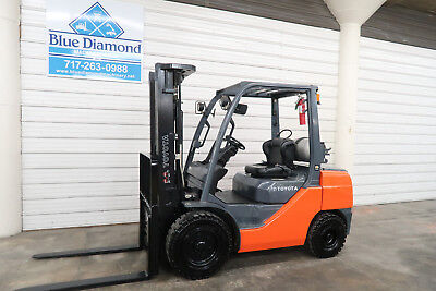 2014' Toyota 8FGU30, 6,000# Pneumatic Tire Forklift, LP Gas, 3 Stage, S/S & F/P