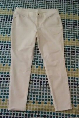 Euc Women's Size 16 Regular Old Navy Super Skinny Mid-Rise White 29 Inch Inseam