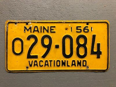 1956 MAINE  LICENSE PLATE  Yellow/black O29-084