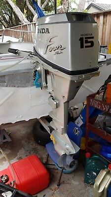 15HP Honda 4 stroke with fuel tank - low use/good condition! BARGAIN!