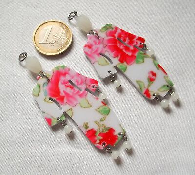 2 Charms In Acrilico E Cristallo Opalino Kimono Decorati - Bianco
