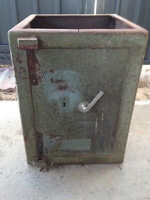 Antique, Cast Iron, Safe, Very Collectable, Money, Old School, No Keys, $