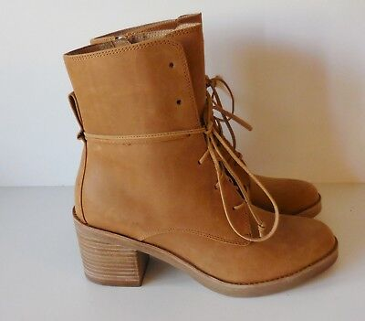 a825e1ba2a4 UGG AUSTRALIA ORIANA Honey Lace Up Leather Ankle Boots 1018646 size 7 NEW
