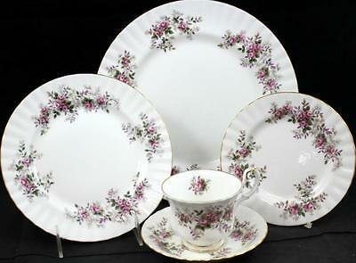 Royal Albert LAVENDER ROSE 5 Piece Place Setting Bone China GREAT CONDITION