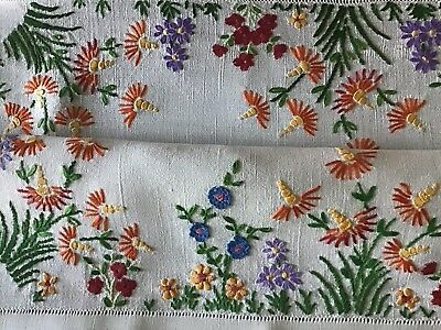 Beautiful Vintage Linen Hand Embroidered Tablecloth ~ Floral Meadow.