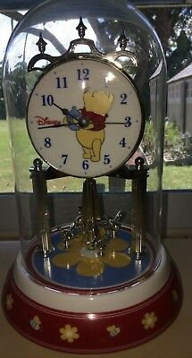 Disney Winnie the Pooh Dome Clock. Great condition Moving bees Honey