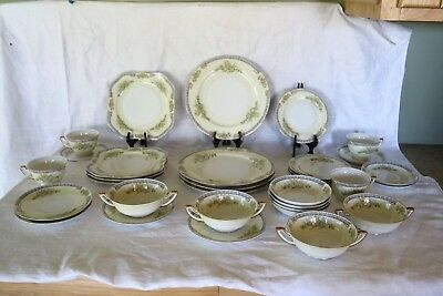 F & B Co Meito CECIL Japan Hand Painted 32 Piece Set 8 Pc Place Set Serv for 4