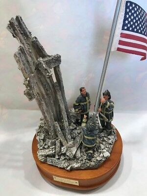 9/11 Red Hats Of Courage Music Box Company Star Spangled Flag Fire Fighter B2