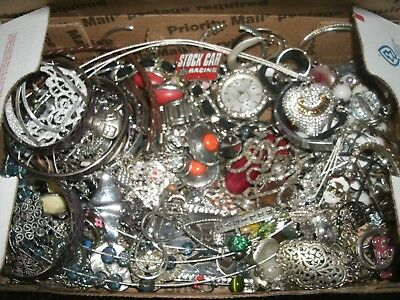 Mixed Costume Jewelry Lot lbs Wear/Repair Unsearched Silver Lot N-11