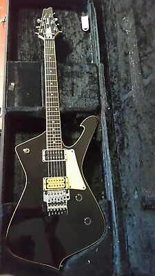 Ibanez Iceman IC300 1994 Made in Japan with hardcase