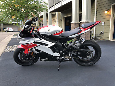 2012 Yamaha YZF-R  2012 Yamaha YZF-R R6 Showroom Condition Low Mileage Title In Hand