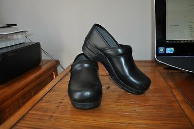 Dansko Women's Pro XP Black Nurse Non Slip Clogs Size 8.5-9 US/39 EU ☆PRE-OWNED☆