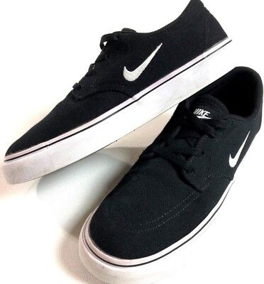 4dd78db36e0f NIKE SB  Clutch  Skate Shoes Boy s 5 Black Canvas Vulcanized Low Breathable