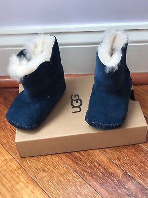 43179b59f0a BABY UGGS SIZE Small 2/3 6-12 Months - $23.99 | PicClick
