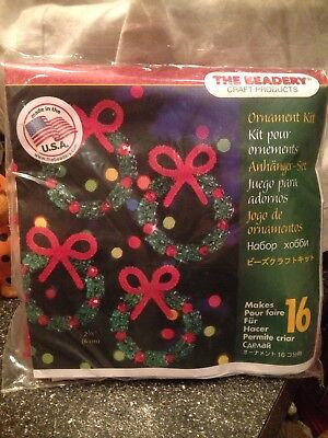 The Beadery Christmas Holiday Wreath Bead Craft Kit Makes 16 Wreaths #5484 New