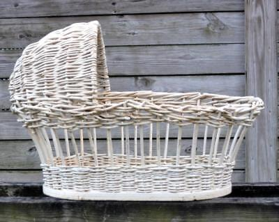 ANTIQUE 1920S US FOLK ART WICKER BABY BASSINET W HOOD FOR NEWBORN reborn DOLL