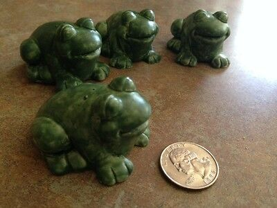 4 Green Frogs