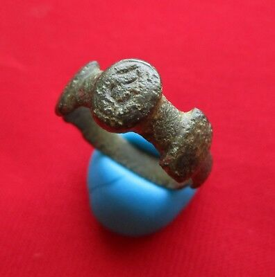 Ancient Roman bronze LEGIONARY ring . snake engraved . circa III century