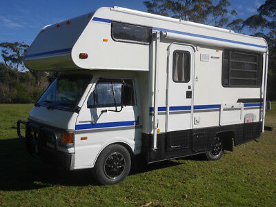 Winnebago Freeway Ford Econovan Motorhome 5 berth Campervan