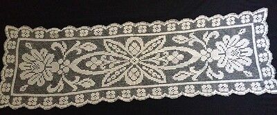 """Edwardian Italian Off-white HM Darning on Knotted Net Runner  22 1/2 x 16"""""""