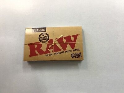 RAW Classic Naturl unrefined Single wide Rolling Papers (100 Sheets)