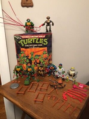 Vintage Rare TMNT Lot Of 8 Figures,1988 collectors Case,accessories & weapons🐢