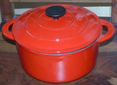 New Cast Iron Dutch Oven Casserole Dish w Lid Roasting Dish Griddle Pan Red