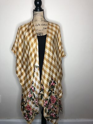 Checkered short kimono with floral print