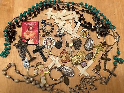 LOT OF 30+ vintage catholic medals, Rosaries Religious medals, Keychains,  Cross