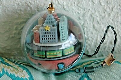Vintage Hallmark Light and Motion Ornament Metro Express 1989 No Box Tested