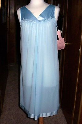 VANITY FAIR  Vintage Nightgown Size Medium  - New With Tag - Blue - USA