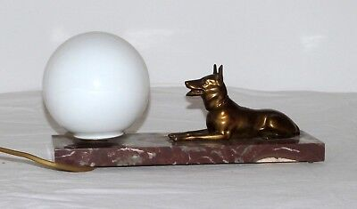 Stylish French Art deco lamp with bronze/spelter dog statue on marble. Working