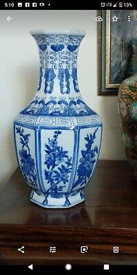 GORGEOUS RARE Authentic Antique CHINESE FINELY PAINTED Blue And White LARGE VASE