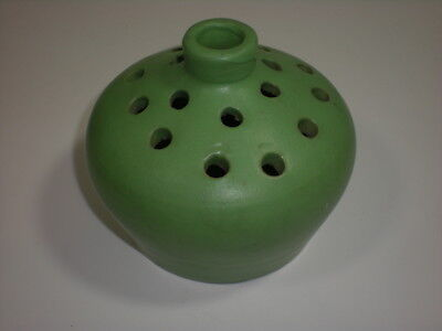 vtg 18 Hole FLOWER Frog CHEROKEE Hand Made POTTERY Matte Green very RARE