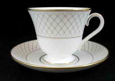 Waterford Crosshaven Tazza e Piattino Set Ceramica di Alta Qualità Showroom