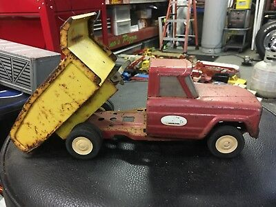 Vintage Tonka Red Jeep Dump Truck, Truck - Pressed Steel Parts Or Restoration