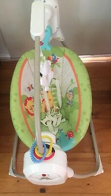 Fisher Price Cradle / Swing / Rocker Good Condition / Plays Music