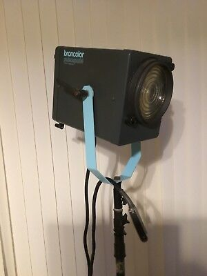 Broncolor Pulso Pulsospot 4 +Manfrotto Stand