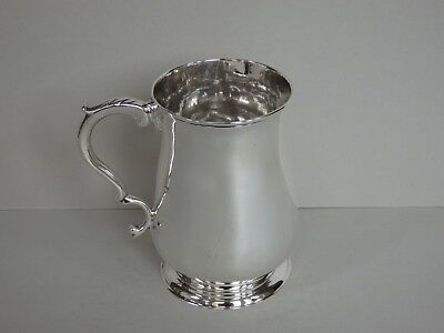 ANTIQUE GEORGE III STERLING SILVER HALF PINT MUG / TANKARD - LONDON 1784 - 170g