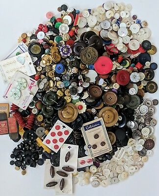 ANTIQUE and VINTAGE BUTTON LOT 1800's-1960's MOP BAKELITE BRASS WOOD SHELL 6 LBS