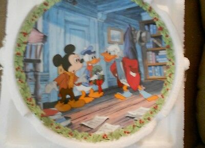 Knowles Disney Mickey's Christmas Carol Plate #2 WHAT'S SO MERRY ABOUT CHRISTMAS