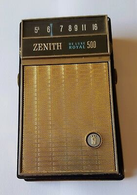 Vintage Zenith DeLuxe Royal 500L Transistor Radio with case