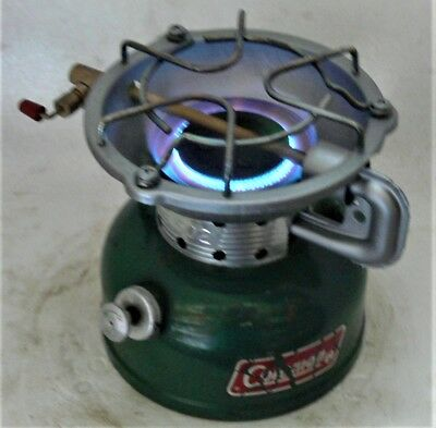 Clean small Coleman 502 petrol or shellite stove, works great, made USA 12/81.