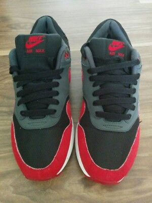 uk availability 4f86e 34161 Men s Nike Air Max 1 Trainers Black grey red (537383-061)