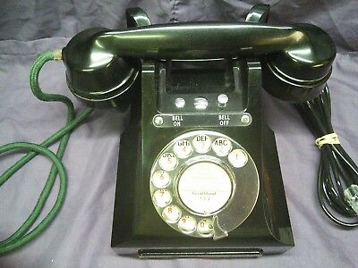 Vintage GPO 328L bakelite phone in black. Lovely condition.