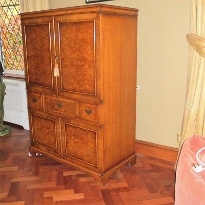 """Bevan Funnell Walnut Reproduction TV cabinet 32"""" Screen Swivel Tray good storage"""