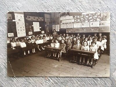 1933 RP Postcard - Unidentified School Classroom With Children - Likely Southend