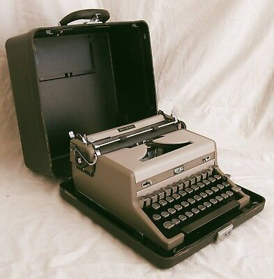 Vintage 1948 Royal Quiet Deluxe Portable Typewriter, Fully Working, Elegant