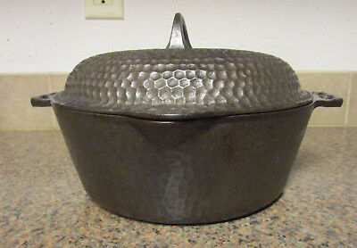 UNMARKED CHICAGO HARDWARE FOUNDRY HAMMERED CAST IRON DUTCH OVEN No 8.